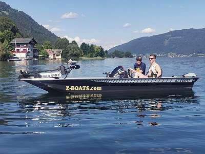 HY525 FLY BASS BOAT Bassboot Setpreis Fischerboot Raubfisch Motorboot