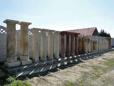 Alte / Historische Granitsäulen , Säulen , Steinsäulen, Sandsteinsäulen, 10 Stück