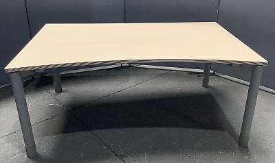Schreibtisch Buche Hell Höhenverstellbar - mit Steckerleiste