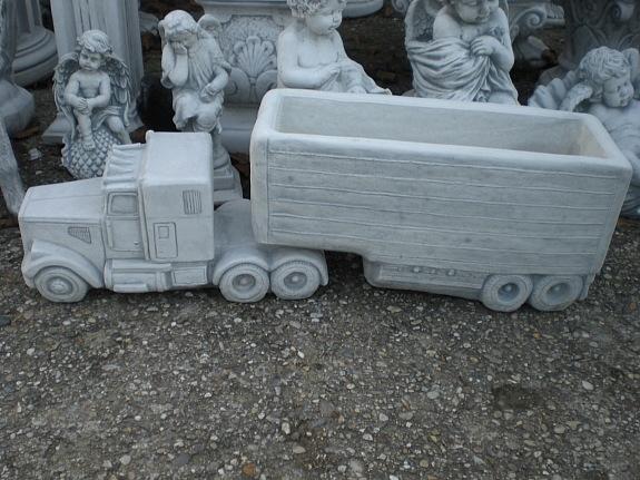 traktor mit anh nger blumen bertopf massiv. Black Bedroom Furniture Sets. Home Design Ideas