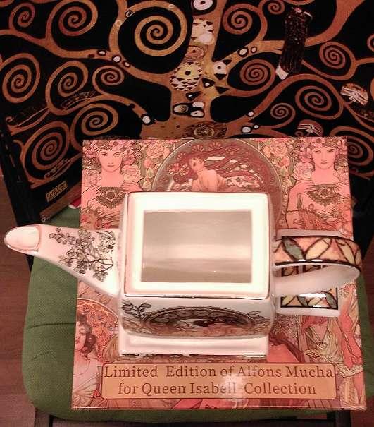 teekanne aus feinstem porzellan mit dem motiv alfons mucha ruby 36 1170 wien willhaben. Black Bedroom Furniture Sets. Home Design Ideas