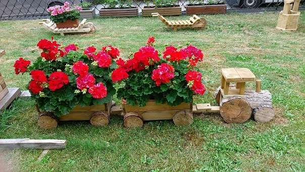 Garten Deko blumenkastenständer traktor oder der zug gartendeko 49