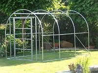 Tür und der Rahmen um eine Voliere von 3x2x2 m bauen