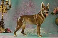 GOLDSCHEIDER WIEN! Alter Schäferhund 25,5 x 29 cm (HxL) Sammlerstück Vitrine Hund Porzellan Figur