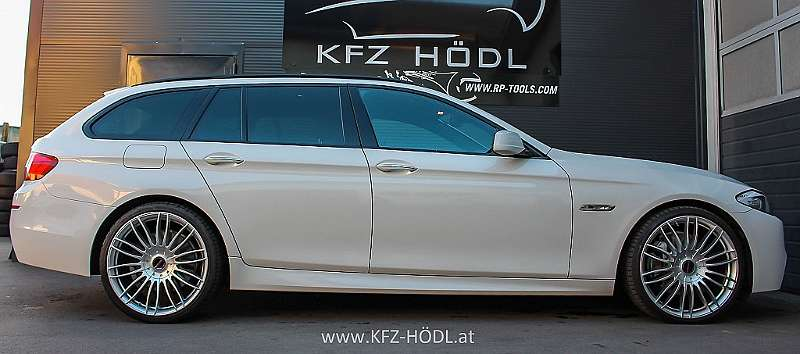 bmw 5er reihe 530d xdrive m paket sterreich paket touring au kombi family van 2011 190. Black Bedroom Furniture Sets. Home Design Ideas