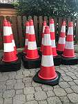 Pylonen Verkehrshütchen Verkehrshut Leitkegel Warnkegel Absperrung Absperrhut Absperrhütchen Pylone