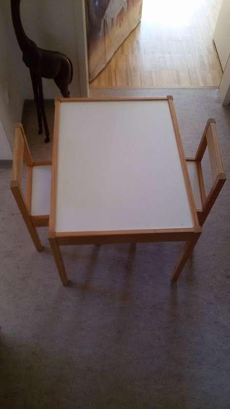 Kindertisch Mit 2 Stuhlen 15 4210 Gallneukirchen Willhaben