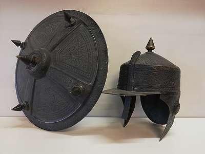 Osmanischer Helm und Rundschild