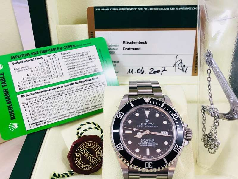 SAMMLERSELTENHEIT! ROLEX SEA-DWELLER NO HOLE MIT ROLEX SCHECKKARTEN-PAPIEREN AUS 2007, IN SELTEN WUNDERSCHÖNEM ZUSTAND! 2 JAHRE JUWELIERGARANTIE, GERNE TAUSCHEN WIR AUCH EIN!