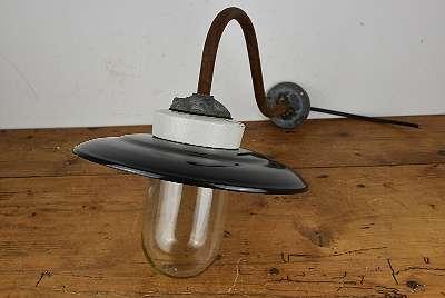 Antike Hof Lampe / Emaille Lampe