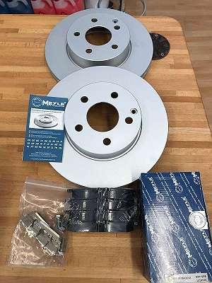 Bremsscheibe + Bremsbeläge + Warnkontakt Mercedes C204, E212, C207, SLK R172