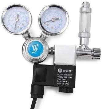 Präzisionsdruckminderer für ein Aquarium, mit einem Blasenzähler, erweiterbar auf zwei, drei vier oder 6 Blasenzähler mit Regulierventile