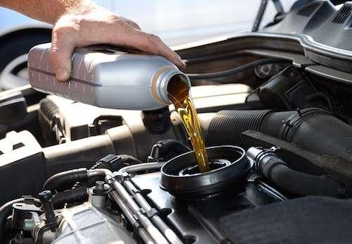 PKW-Servicearbeiten,Ölwechsel, Inspektion, Räder/ Reifen ummontieren,