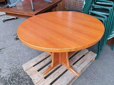 Runder Tisch aus Birnenholz -JEDEN SAMSTAG VON 8-12 UHR GEÖFFNET-Über 400 weitere Artikel im Willhaben Shop unter