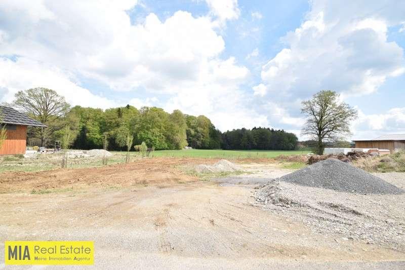 Bild 1 von 4 - Ansicht - Schöner Gewerbegrund direkt am Waldrand im Ganzen oder Teile zur Verpachtung