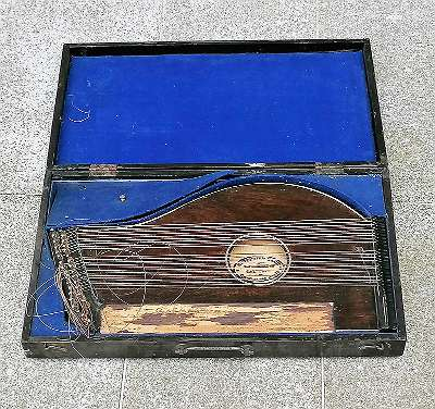 Zither in Kassette