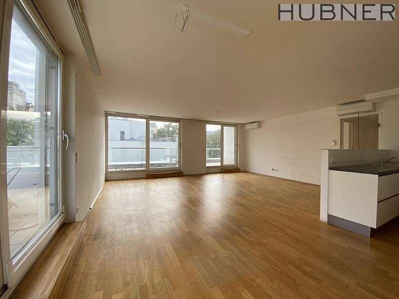 Bild 1 von 22 - großzügiges Wohnzimmer