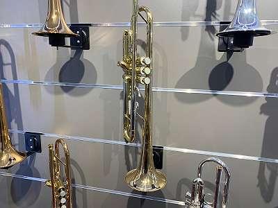 B Trompete Bach überholt