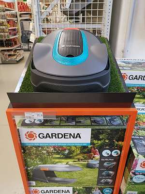 Mähroboter Gardena inklusive Garage