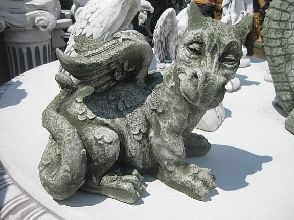 Drache klein 25 cm hoch massiv gargoyle torw chter for Steinfiguren garten tiere