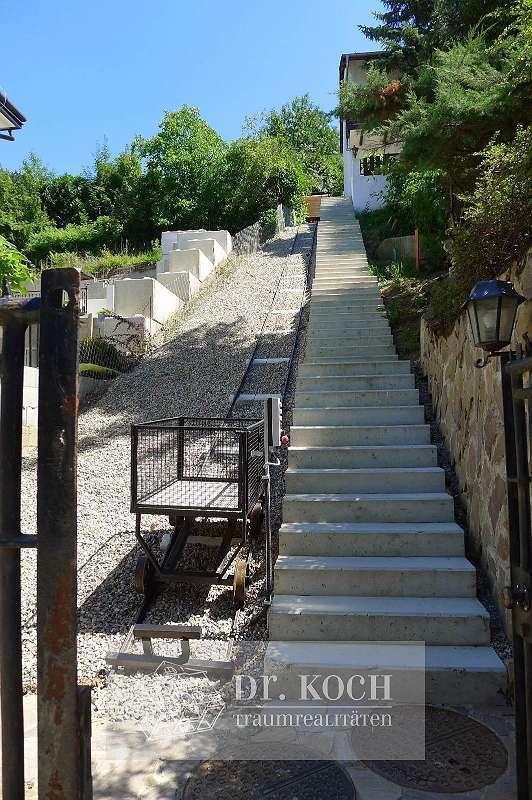 Bild 1 von 13 - Treppen