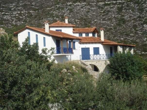 peloponnes griechenland villa direkt am meer 240 m 24001 griechenland. Black Bedroom Furniture Sets. Home Design Ideas