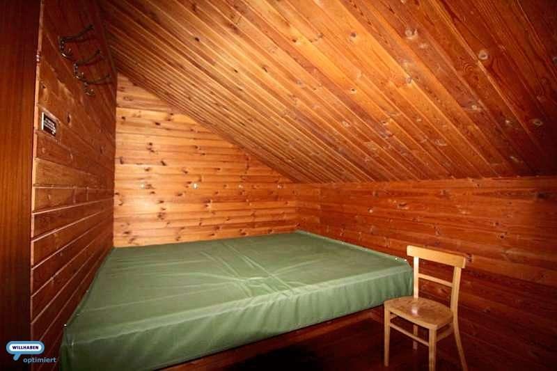 Schlafzimmer klein OG