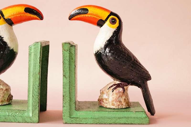 lustige TUKAN BUCHSTÜTZEN AUS EISEN! Tolle neue Stücke nach altem Vorbild! Vogel Specht Papagei Bücherstützen Buchstützen im Vintagelook Regal Deko Figur Büste Reise Bibliothek