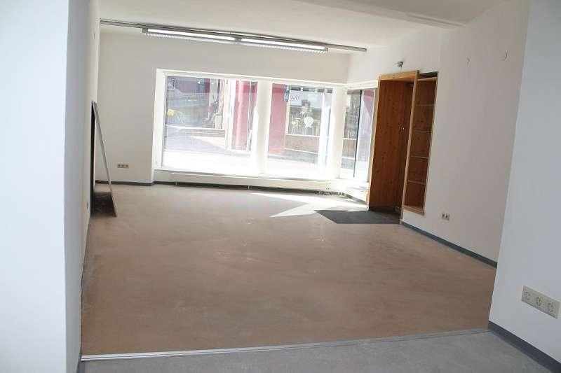 Verkaufsraum/Büro mit Schaufensterfront