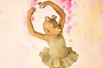 BESONDERS GENIAL! Große Affenballerina im wunderbaren Design – Höhe ca. 48 cm Ballett Schimpanse Afrika Style Design gold Brocante Shabby Bohemian Oper Musik Kunst Tanz