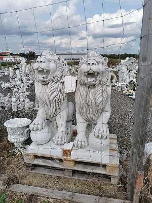 Unikat Steinfiguren über 4000 Figuren im Sortiment Gartendeko Springbrunnen