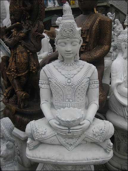 Steinfigur buddha prinzessin japanischer garten lampe for Steinfigur buddha garten