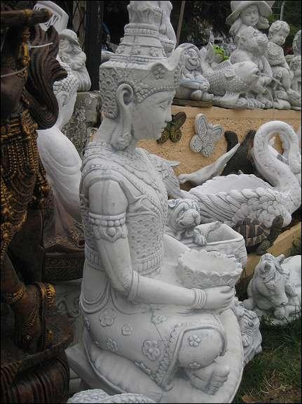 Steinfigur Buddha Prinzessin Japanischer Garten Lampe