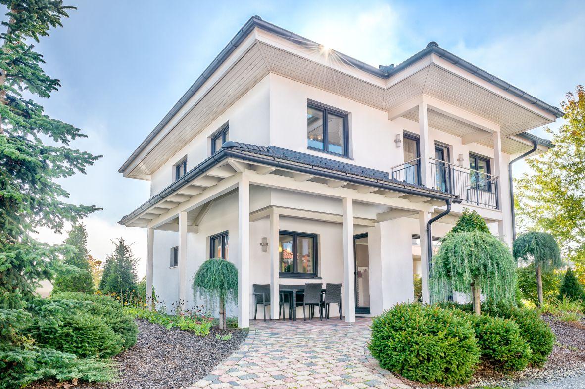 Fertigteilhaus walmdach  Haas Fertighaus - Grande 138 Walmdach - Fertigteilhäuser auf ...