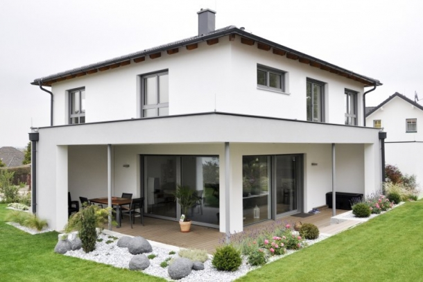 Haus Mit Walmdach architektenhaus satteldach und walmdach fertigteilhäuser auf